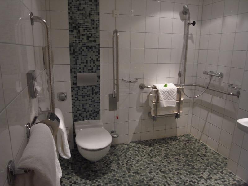 ヒルトン・ウィーンのバリアフリールームのトイレ