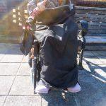 バイク用品を車椅子のひざ掛けとして使ってみた
